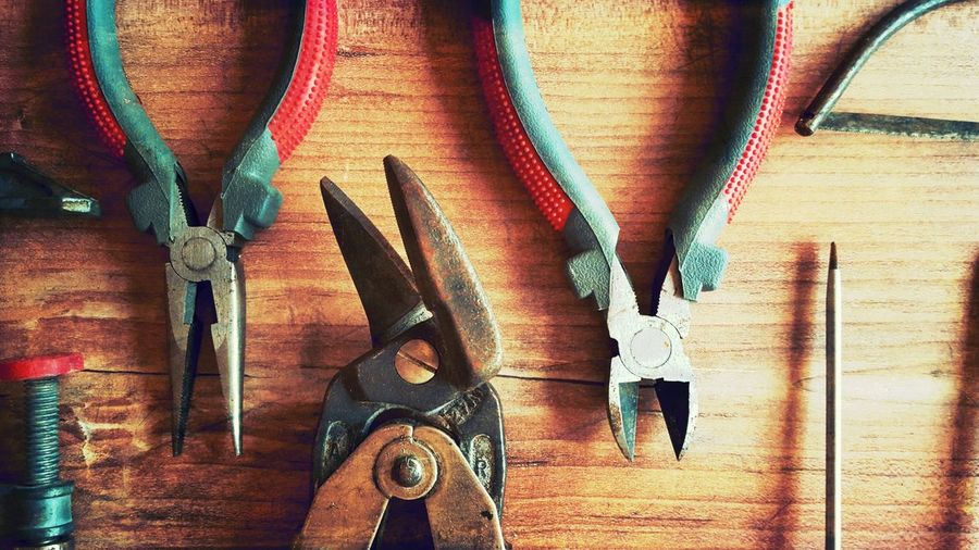 Clamp Close-up DIY DIY At Home Do It Yourself EyeEm Gallery High Angle View Important Things In A Row Metal No People Saw Srewdriver Still Life Tong Tongs Tools Variation Work Tool Lieblingsteil