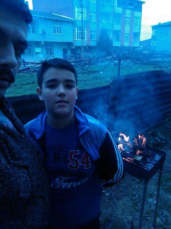Bestamibolat Based_1984 Mangalkeyfi büyük oğlum bestami ile akşam yemeğini hazırlıyorum B-)