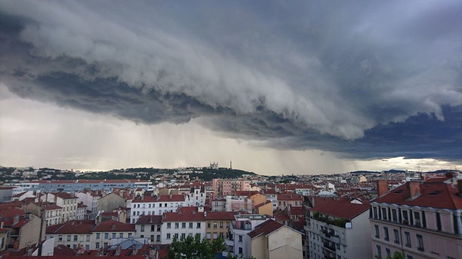 Orage d'été sur LYON Getty Images Eyem Premium Architecture City Sky Town Cityscape Storm Cloud No People Cloud - Sky Building Exterior Built Structure Visual Creativity Adventures In The City
