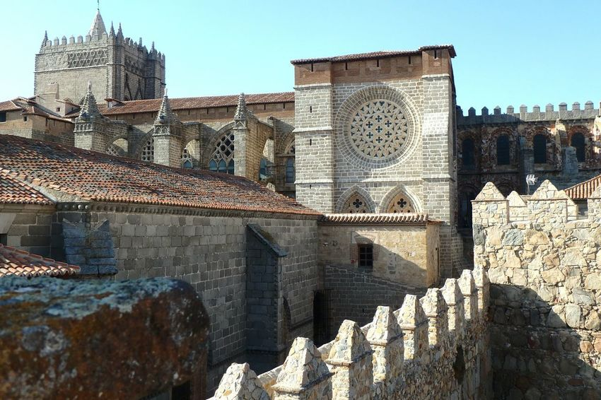 Architecture No People Day Outdoors Building Exterior City Avila Tiled Roof  Wall Travel Destinations Catedral