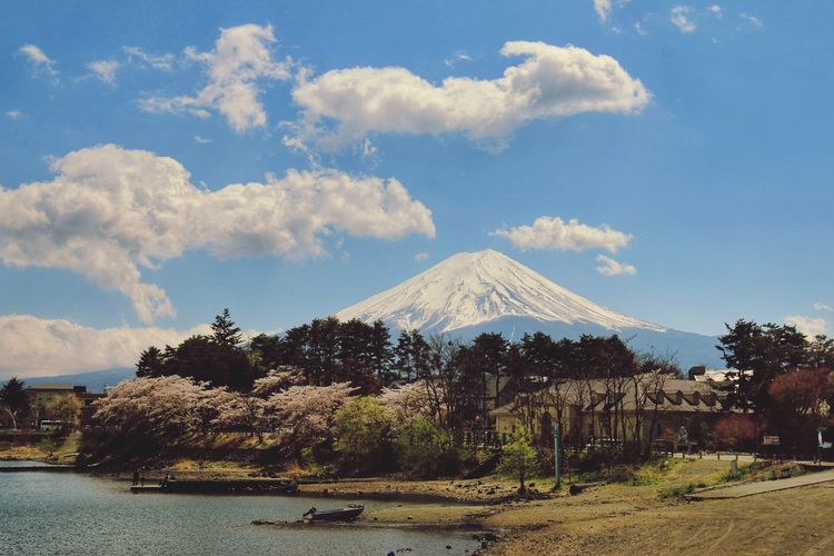 Japantravel Japannature Mt.Fuji Japan Snowcapped Mountain Tree Mountain City Volcano Volcanic Landscape Sky Landscape Cloud - Sky Architecture Tranquil Scene Tranquility Mountain Range Snowcapped