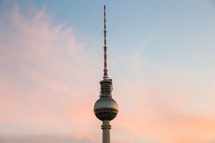 Cloud - Sky Communications Tower Copy Space Fernsehturm Sunset Tall Television Tower TV Tower