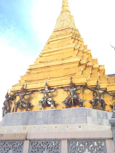 Ayutthaya Thailand Bangkok Religion Pagoda Spirituality Gold Colored Architecture Travel Destinations Ancient Place Of Worship Gold History Travel Shrine Outdoors Built Structure Sky No People Day Ancient Civilization Pyramid Building Exterior