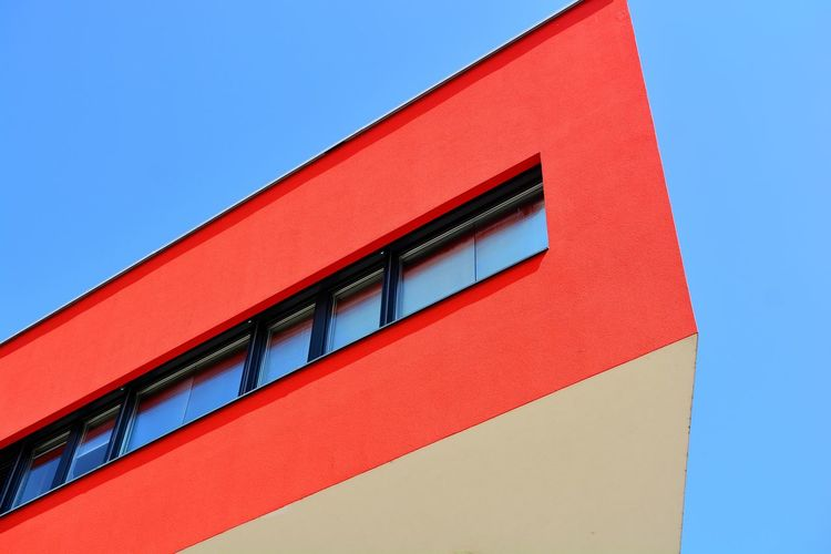 Houses And Windows House Houses Office Building Office Modern Futuristic Red Blue Sky Close-up Architecture Building Exterior Built Structure Architectural Feature Architectural Design Architecture And Art Architectural Detail Adventures In The City Focus On The Story EyeEmNewHere