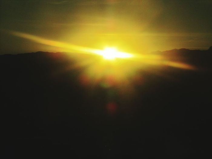 desending sun from aeoplaine to different times zones never capture by me until i was leaving Las Vegas once it was morning as we travelled across zone you could see the sun going away. Check This Out Hello World Enjoying Life Talking Photots Escaping sun