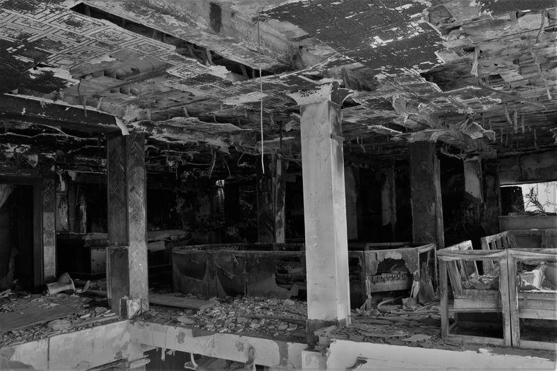 3XSPUnity Abandoned Architecture Black And White Blackandwhite Blancoynegro Built Structure Damaged Destruction Indoors  No People