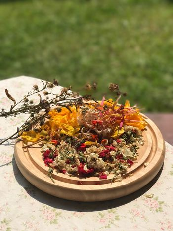 Dried Flowers Dried Leaves Perfume Collection Perfume Process Good Smell Natural Perfume Multi Colored Varity Flowers Smelling The Roses Smelling The Flowers Smelling Good Smelling Flowers Smelling The Rose