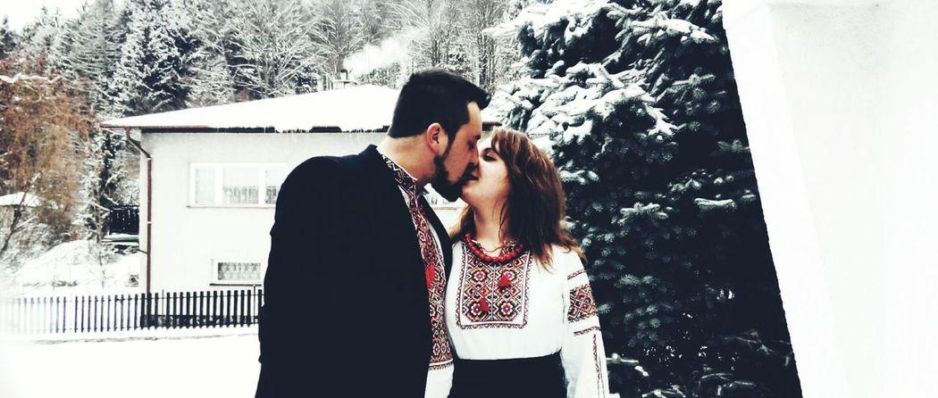 Ukraine Ukraine Karpaty Love Nation National Dress Couple Winter Wintertime Tradition Traditional Clothing Lifestyles