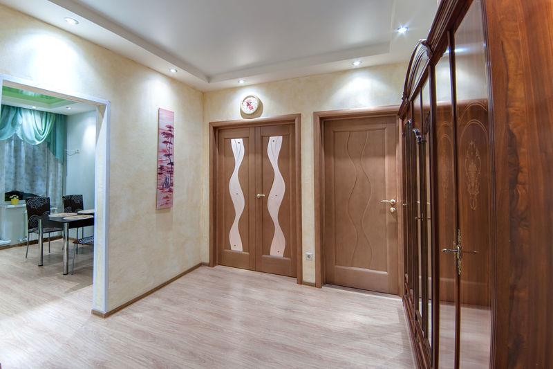 Indoors  Luxury Wood - Material Wealth Home Interior Door Architecture Mirror Entrance Home Showcase Interior No People Flooring Domestic Room Building Hotel Home Lighting Equipment Absence Bathroom Luxury Hotel Ceiling Clean