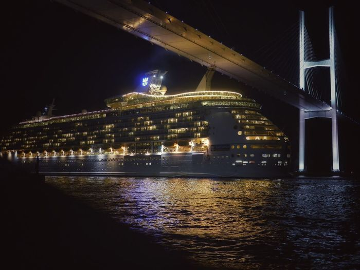 End Of The Day Luxury Liner Mariner of the Seas Megami Ohashi Nagasaki City Tonight Nightphotography Under The Bridge Nagasa-Kirei ( ナガサキレイ ) Reflection LEICA D SUMMILUX 25mm