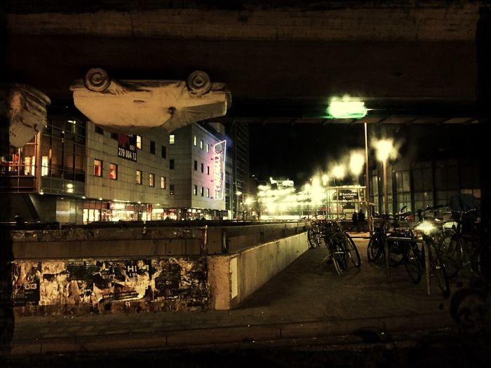 Hannover Raschplatz Ist Das Kunst? Oder Kann Das Weg? Auto