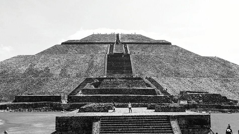 Piramide Del Sol Pirámides De Teotihuacan Mexico Ancient Architecture Black And White