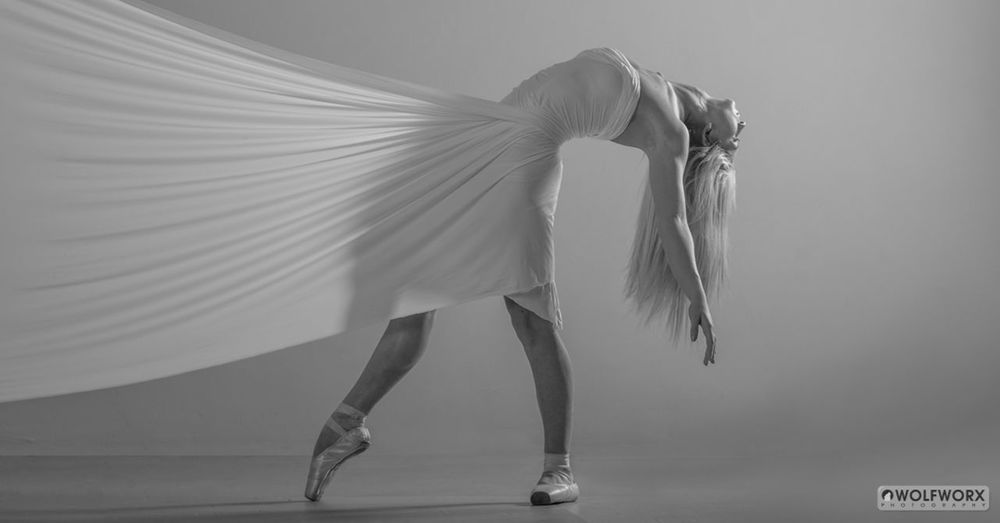 Beautiful Beauty Blonde Dance Dancer Dancing Fit Girl Strong White Woman
