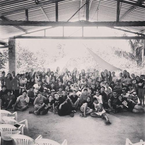 Somos o povo mais feliz da terra ! Juventude Reino Amor Caminho Único
