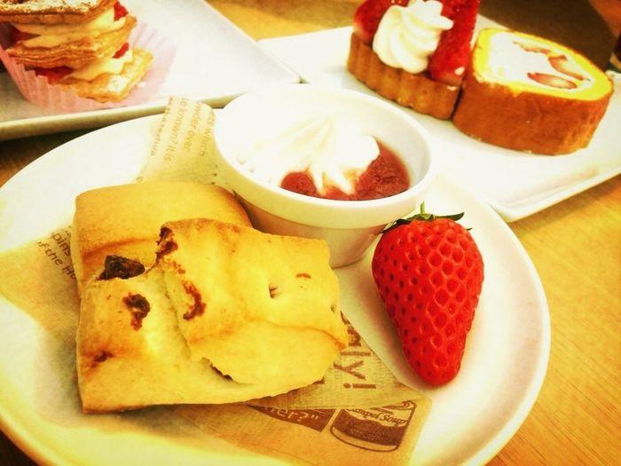 I went strawberry picking!*\(^o^)/*