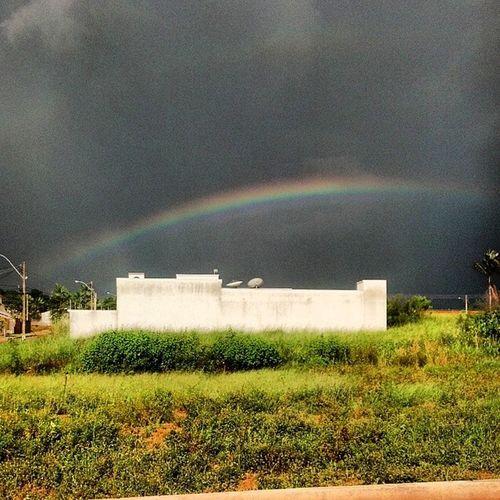 Lá vem chuva. Arco -íris Tempestade Storm