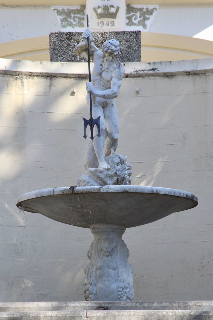 STATUE BY FOUNTAIN