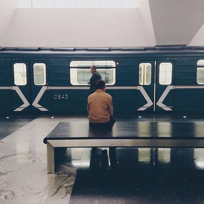 10:00 VSCO Vscocam Vscorus Underground Metro Moscow Moment Msk Mzharikov Instagood Instagram WOW Jj  TBT  метро Москва МояМосква мск москванеспит