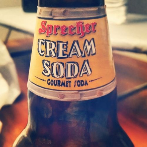 Gotta love that some cream soda! CreamSoda Sixteenouncebottle Sprecher Sogood