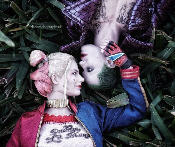The fault in our scars. #DCU #batman #PhotographerLife #photography #photographer #toyphotography #HarleyQuinn #ClownPrinceOfCrime #TheJoker #Joker