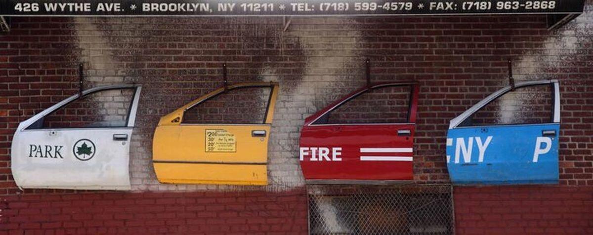 NY New York Wall Doors Colors Streetphotography Big Apple City Mechanic Hung Repair Bricks