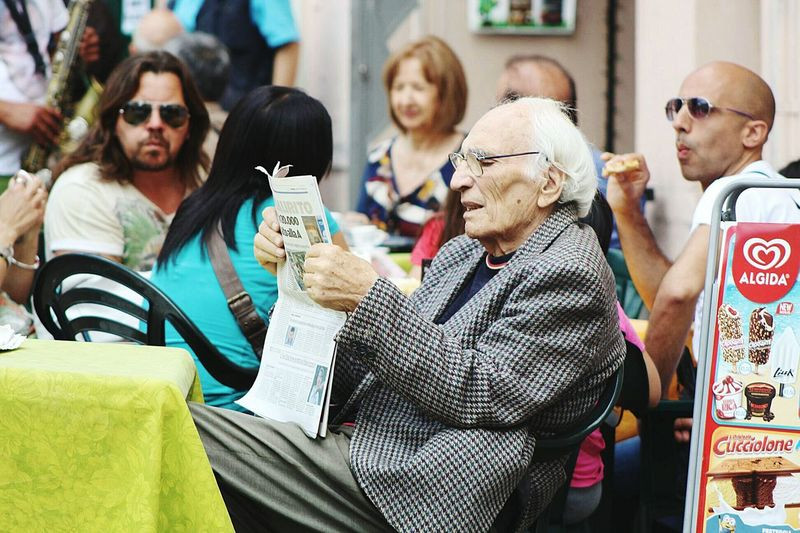 I love taking photos in my town. The Street Photographer - 2016 EyeEm Awards Taking Coffee  At The Bar Old People Reading & Relaxing Good Morning Abruzzo - Italy Penne Pescara Italian Style Italy Fresh On Eyeem  Showcase June People And Places