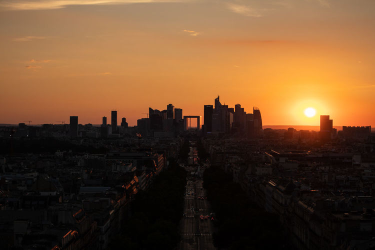 La Défense Sunset_collection Architecture Building Building Exterior Built Structure City City Life Cityscape High Angle View Nature No People Office Building Exterior Orange Color Outdoors Residential District Sky Skyscraper Sun Sunset Sunset #sun #clouds #skylovers #sky #nature #beautifulinnature #naturalbeauty #photography #landscape Travel Destinations