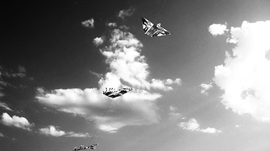 Cloud - Sky Blackandwhite Blackandwhite Photography Kite Low Angle View Flying Coordination Mid-air Sky Only