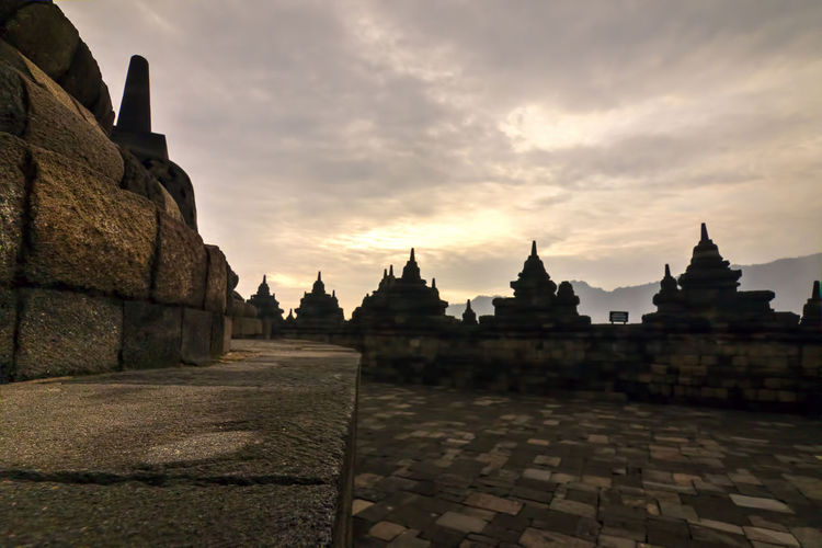 Photo from my recent trip to Borobudur temple, in Yogyakarta, Indonesia. Borobudur, is a 9th-century Mahayana Buddhist Temple. Built during the reign of the Sailendra Dynasty, abandoned following the 14th-century decline of Hindu kingdoms in Java and the Javanese conversion to Islam.A UNESCO World Heritage Site. Don't ever come here on raining season (like I did in Dec), most of the time just misty and cloudy. Would repeat the trip next year probably in April. Ancient Ancient Architecture Ancient Civilization Architecture Architecture_collection Borobudur Borobudur Temple Buddhism Buddhist Temple EyeEm Indonesia Fredpius Historical Monuments Magelang Path Sunrise Yogyakarta