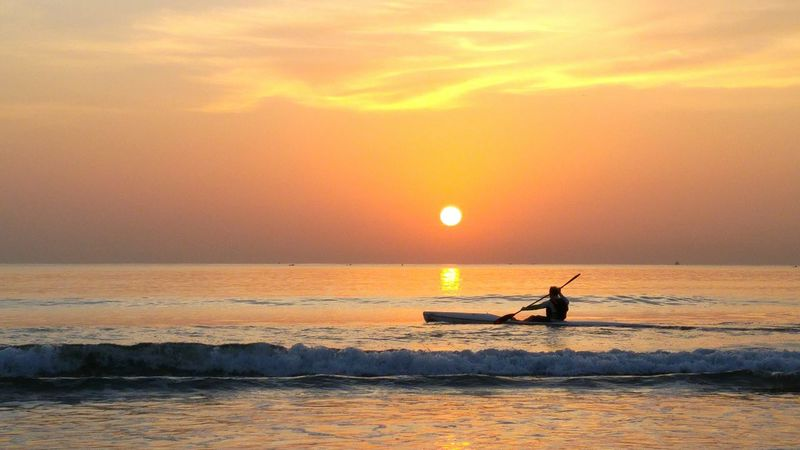 Alternative Fitness Enjoying Life Durban South Africa Sea And Sky Enjoying The Sun Sea Beauty In Nature New Day Rising Kayaking Kayaking In Nature Sunrise_Collection Durban Beachfront April Showcase Aprilphotochallenge Lost In The Landscape Be. Ready.