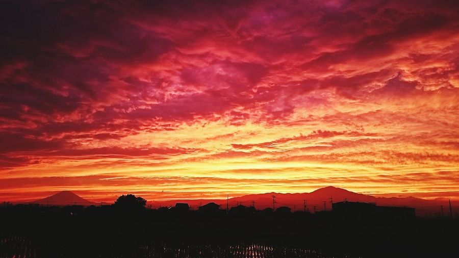 Today's sunset Nature Sunset Mountains Landscape Japan Photography EyeEm Best Shots Mt.Fuji EyeEm Nature Lover Clouds And Sky
