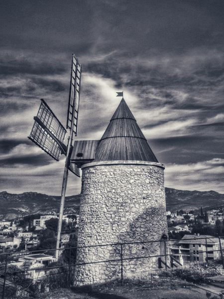 Winter Marseilleinlove Bnw_collection Bnw_friday_eyeemchallenge Bnwphotography Bnw_captures Marseille, France Bnw_globe Noiretblanc Bnw_addicted EyeEm Gallery Monochrome City Street France 🇫🇷 Noir Et Blanc Moulin Cloud - Sky Cloudy Sky Sky And Clouds Cloud - Sky Sky Built Structure Architecture No People Outdoors Day Building Exterior Traditional Windmill