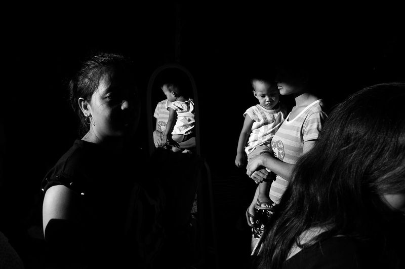 Flanuering in Black and White Baby Black & White Black And White Blackandwhite Blackandwhite Photography City Street Eyeem Philippines Family Philippines Street Street Photography Streetphoto Streetphoto_bw Streetphotography Streetphotography_bw The Street Photographer - 2016 EyeEm Awards