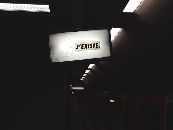 Frankfurt am Main, Deutschland. November, 2015. Embrace Urban Life J'existe Deutschland. Dein Tag Streetart U Bahn Lokalbahnhof Ffm Sachsenhausen Train Station IPhoneography Sachsenhausen  Frankfurt Nightlife Illuminated