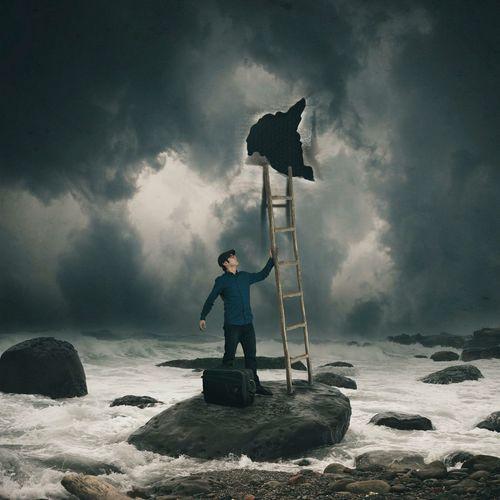 下一步 Surrealism Fine Art Photography Self Portrait Blue Sea Travel Shiuanphoto BoShiuan Photoshop Keelung Taiwan