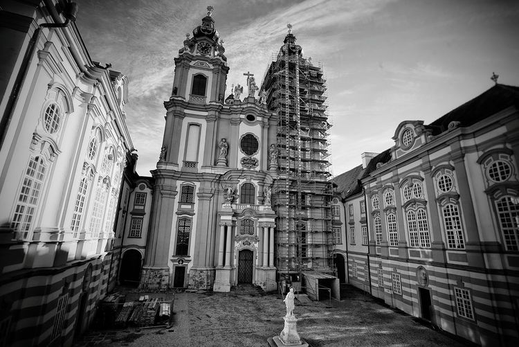 Austria Photos Melk Abbey Stift Historic Site Travel Architecture Catholic Church A Point Of View Bnw Taking Photos Light And Shadow Bnw_life Hanging Out Blackandwhite Black And White Taking Photos Outdoors Streamzoofamily The Architect - 2017 EyeEm Awards