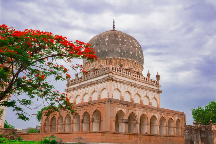 Qutub shahi tombs hyderabad india CityOfPearls Hyderabad,India India QutubShahiTombs Ancienthyderabad Arch Architecture Canonphotography City Dome History Incredibleindia Indiaphotographer Indiashot Sky The Past Tourism Travel Travel Destinations