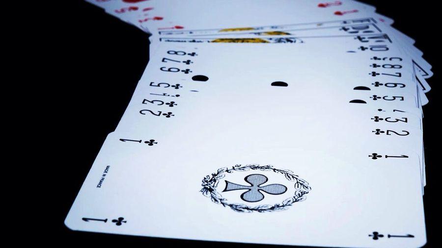 Distribue les cartes Cartes Jeux