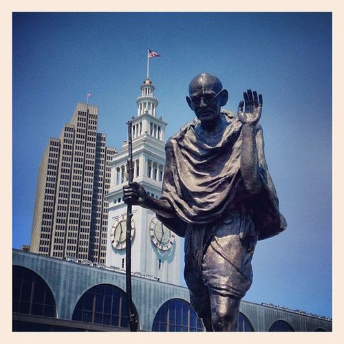 #gandhi and the #ferrybuilding #sanfrancisco Sanfrancisco Gandhi Ferrybuilding