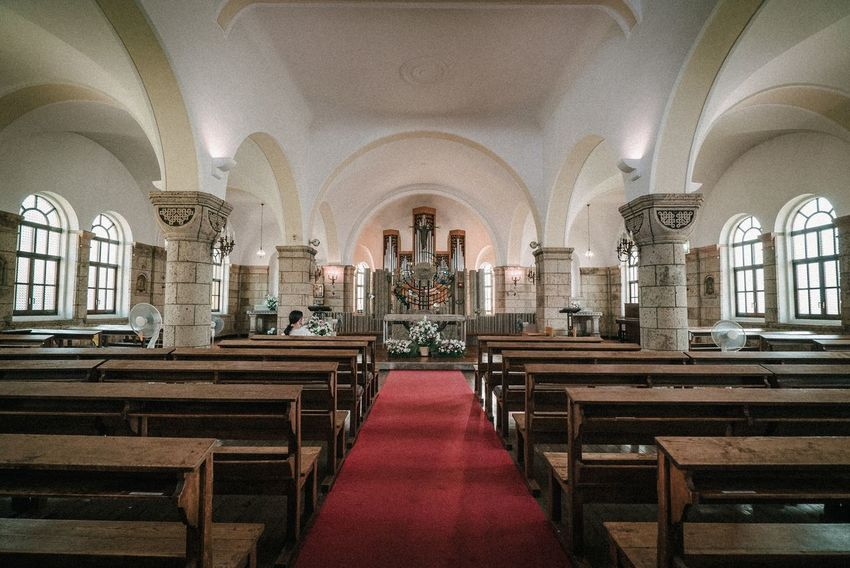 Architecture Built Structure Indoors  Pew Building Place Of Worship Arch Religion Belief Seat Spirituality Bench Altar Architectural Column In A Row No People Day Ceiling Aisle