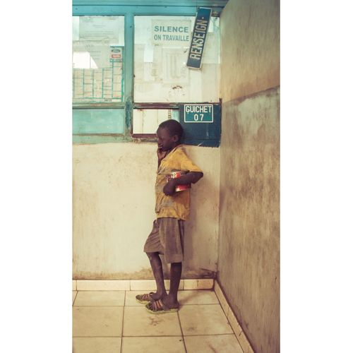 """Talibé aux Mines. Portrait of a boy forced to beg for his koranic school, ignored by everyone at the Services de Mines, where foreign cars are """"senegalized"""". Dakar Senegal Talibé Poverty Child Abuse Portrait First Eyeem Photo Youth Of Today"""
