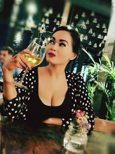 Bali Indonesianwoman INDONESIA Dinner Finedining Beverage Food And Drink Asianrestaurant Wine Polkadot Foodporn Restaurant