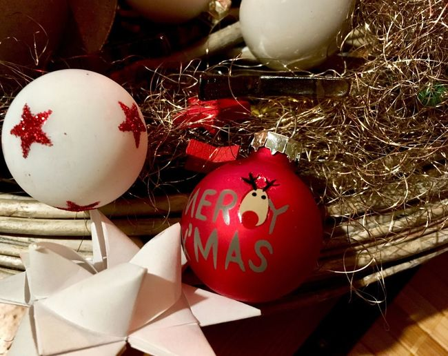 Christmas Christmas Decorations Winter Christmastime Christmas Ornament Holiday Celebration Christmas Decoration Decoration Christmas Christmas Ornament Indoors  Still Life Sphere No People Red