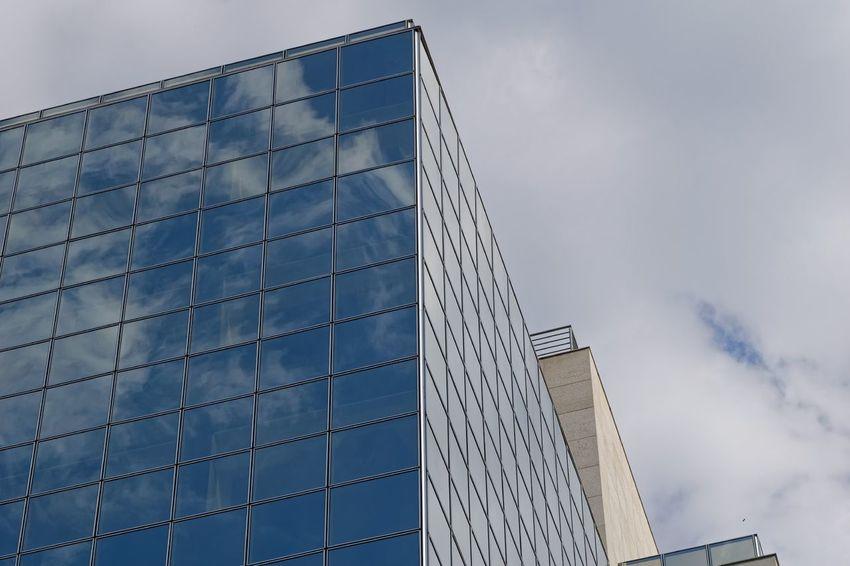 Arquitetura Architecture Refections Mirror Nuvens Clauds Vidro Street Streetphotography Urban