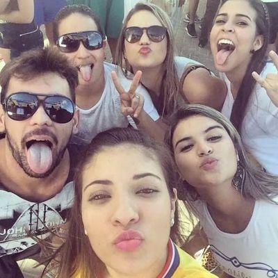 Selfie Amigos Amopcaralho♥♥♥♥