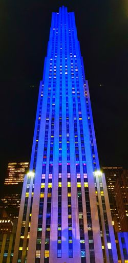 Rockefeller Centre in New York City, USA. EyeEmNewHere Photography Samsung Galaxy Note 8 Beautiful Night Illuminated Architecture Skyscraper Building Exterior Modern City Low Angle View Sky No People Cityscape Built Structure Outdoors