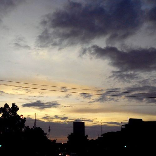 selamat Pagi Bandung Jingga Sunrise_and_sunsets City INDONESIA Lenovotography Photooftheday Photophone  KopiPagi Lzybstrd Pocketphotography