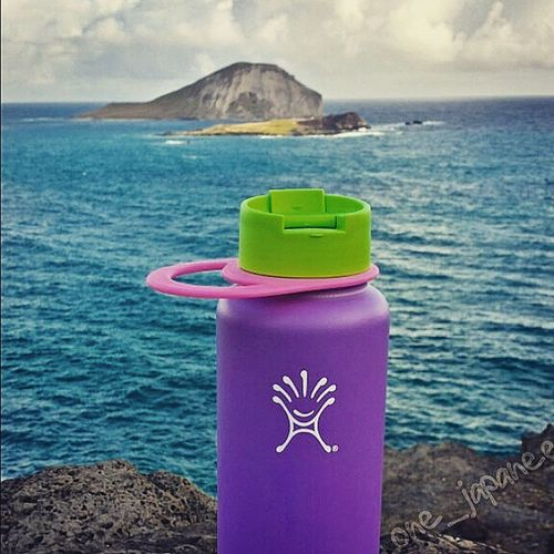 Stay thirsty my friends. Hydroflask FreedomFromLukewarm MakapuuLookout Oahu Hawaii Rabbitisland Hydrateyoself Lookslikeanad