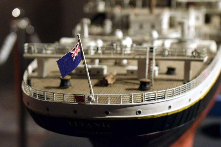 Modeling Flag Patriotism No People Close-up Indoors  Day Politics And Government Ship Titanic Titanic Museum Titanicmuseum