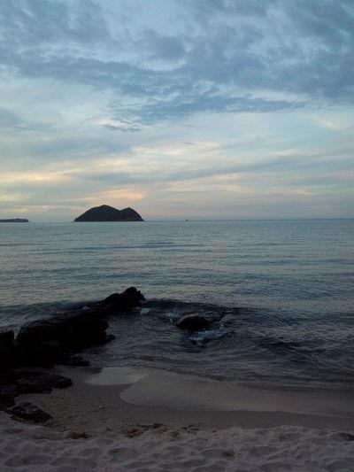 ชายทะเล ยามเย็นหาดสมิหลา First Eyeem Photo